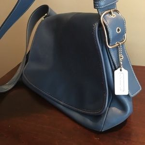 Classic blue leather Coach shoulder bag